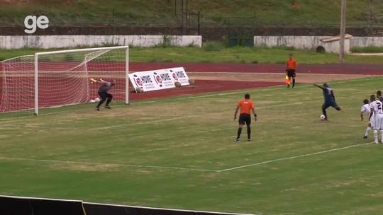 Com gols de pênalti, Real e Samambaia vencem no Candangão