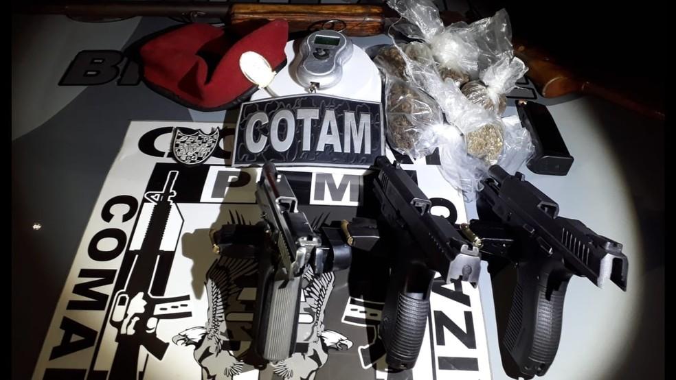 Polícia apreende armas em prédio de luxo de facção criminosa (Foto: Divulgação)