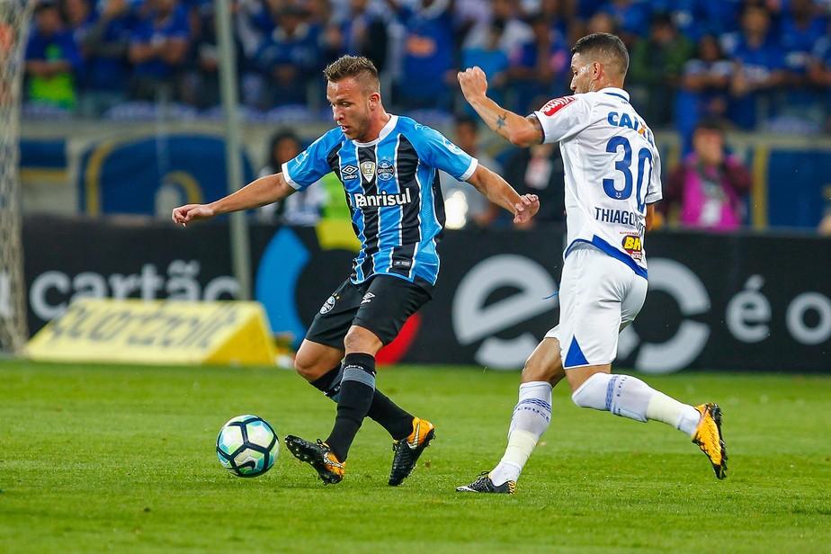 Grêmio e Cruzeiro acumulam motivos para ter duelo apimentado logo na estreia