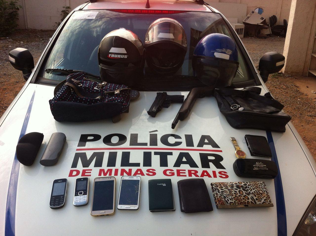 Adolescentes suspeitos de roubos são detidos com arma em Montes Claros