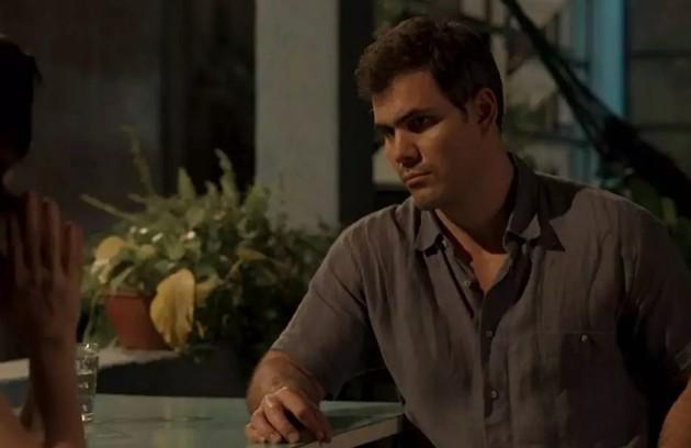 Na quarta (11), Magno (Juliano Cazarré) vai terminar seu namoro com Betina (Isis Valverde) (Foto: TV Globo)