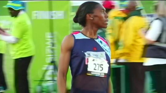 Corte do esporte proíbe atleta intersexo de correr entre mulheres
