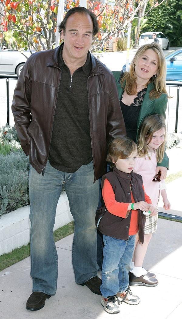 John Belushi ao lado da família em 2006 (Foto: Getty Images)