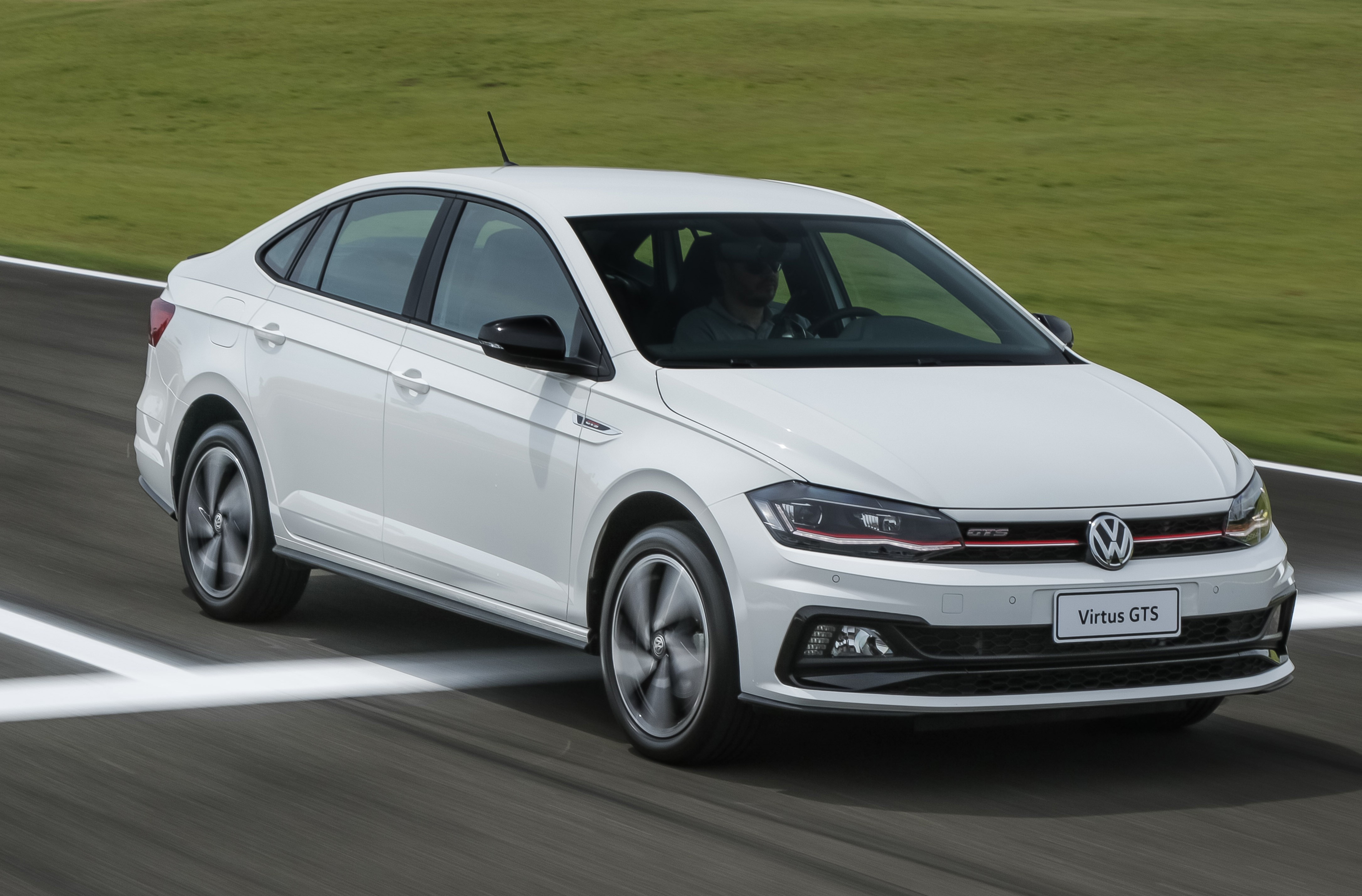 Volkswagen Virtus GTS chega a partir de R$ 104.940