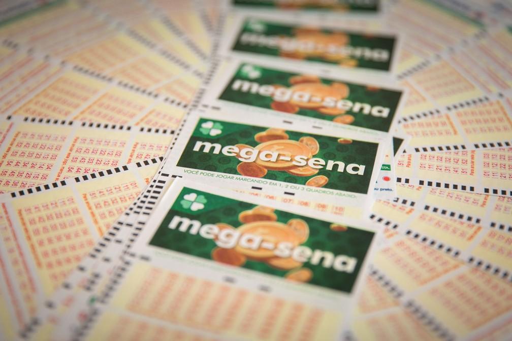 Sorteio do concurso 2.136 da Mega-Sena foi realizado neste sábado (23) — Foto: Marcelo Brandt/G1