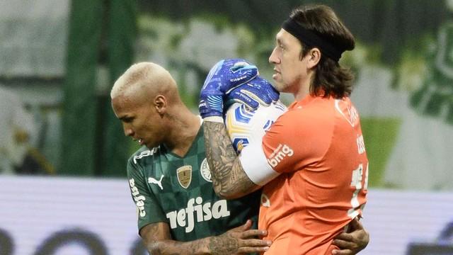 Deyverson e Cássio em Palmeiras x Corinthians
