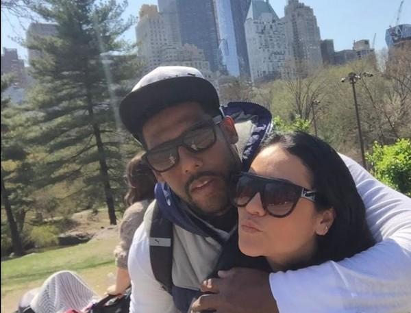 Ex-goleiro Aranha com a esposa Juliana Aquino; ex-atleta está internado com Covid-19 em Pouso Alegre — Foto: Arquivo pessoal