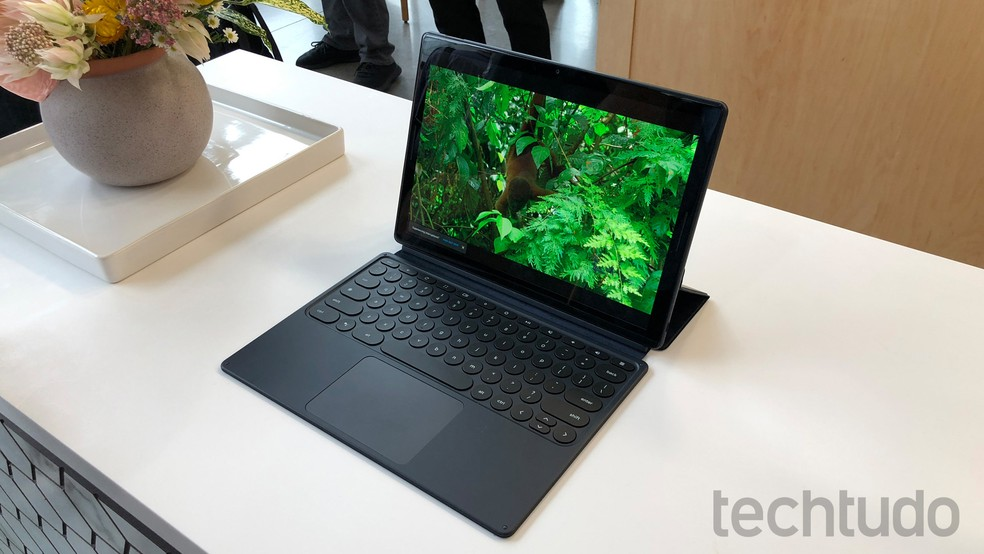 Google Pixel Slate é o novo tablet do Google — Foto: Thassius Veloso/TechTudo
