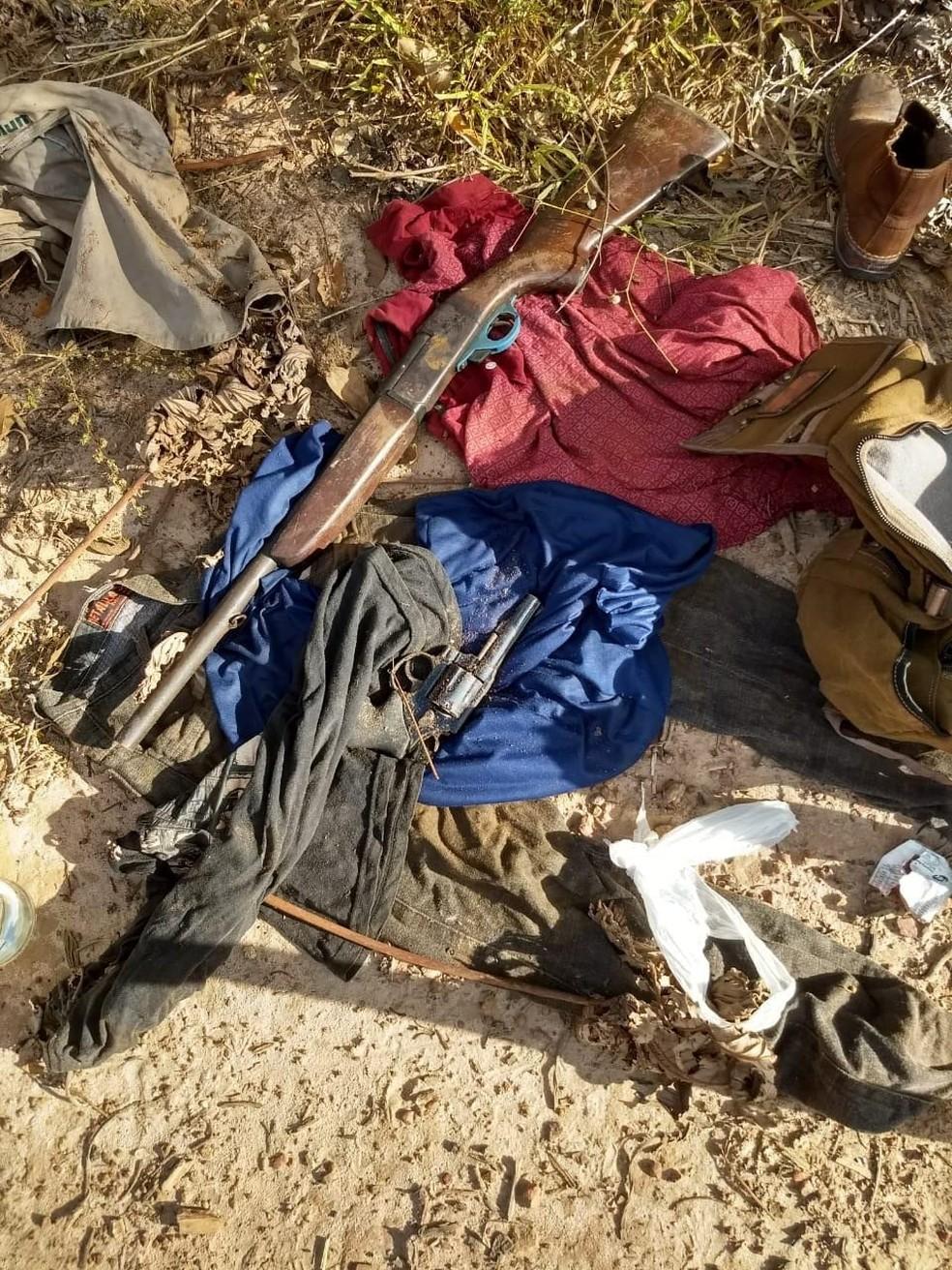Armas apreendidas em Buriticupu, que a polícia acredita que foram usadas no arrombamento de agência bancária (Foto: Divulgação / Polícia Civil)