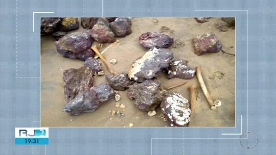 Ossadas humanas são encontradas em praia no RJ e serão analisadas pelo Iphan