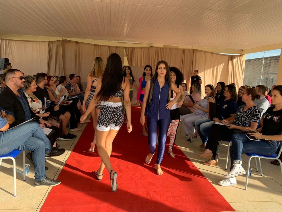 Presas desfilaram para jurados nesta segunda-feira (9), em Rio Branco — Foto: Divulgação/Iapen-Ac