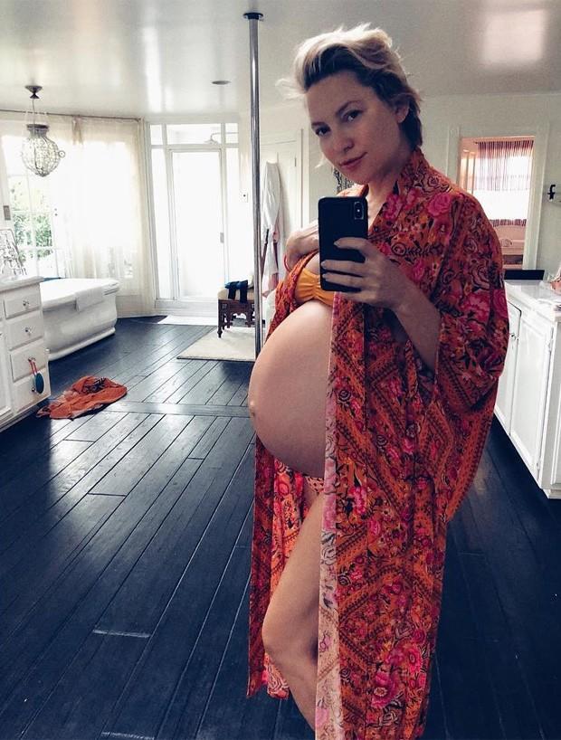 Kate Hudson na reta final da gravidez (Foto: Reprodução/Instagram)