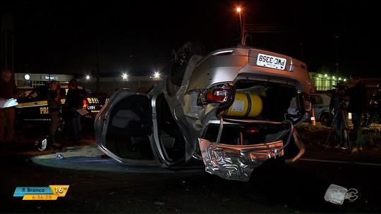 Motorista da Uber é achado morto, suspeitos usam o carro e provocam acidente fatal em Curitiba