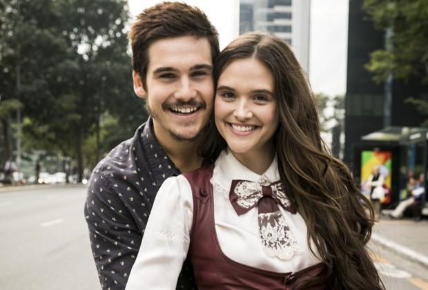 Samuca (Nicolas Prattes) e Marocas (Juliana Paiva) formam par central de O Tempo Não Para (Foto: João Miguel Júnior/TV Globo)