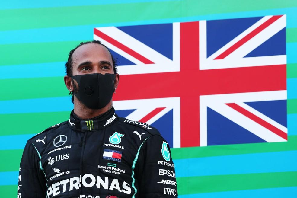 Lewis Hamilton, da Mercedes, após vencer no GP da Espanha  — Foto: Albert Gea/Pool via Getty Images
