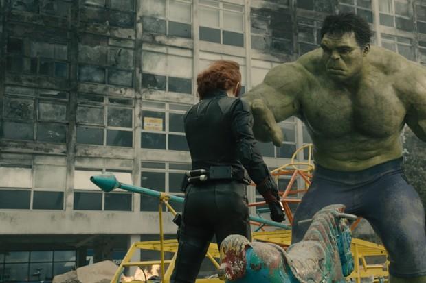 Viúva Negra e Hulk: um casal que não vingou por falta de espaço em Vingadores (Foto: reprodução)