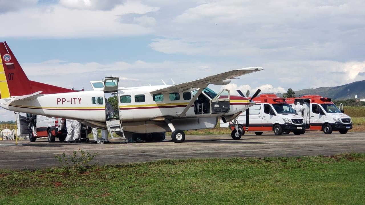 Pacientes com Covid-19 são transferidos do Alto Paranaíba para o Campo das Vertentes