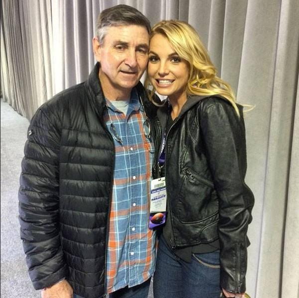 A cantora Britney Spears com o pai, o empresário Jamie Spears (Foto: Instagram)