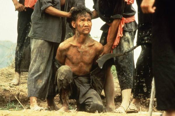 Haing S. Ngor como Dith Pran em Os Gritos do Silêncio (Foto: Divulgação)