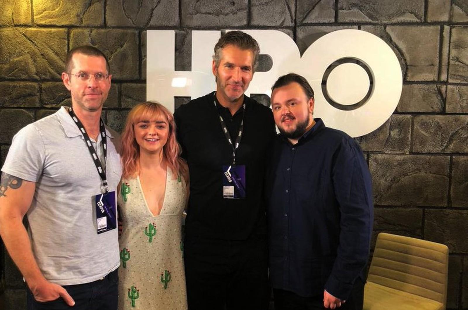 D. B. Weiss, Maisie Williams, David Benioff e John Bradley na CCXP18 (Foto: Divulgação/HBO)