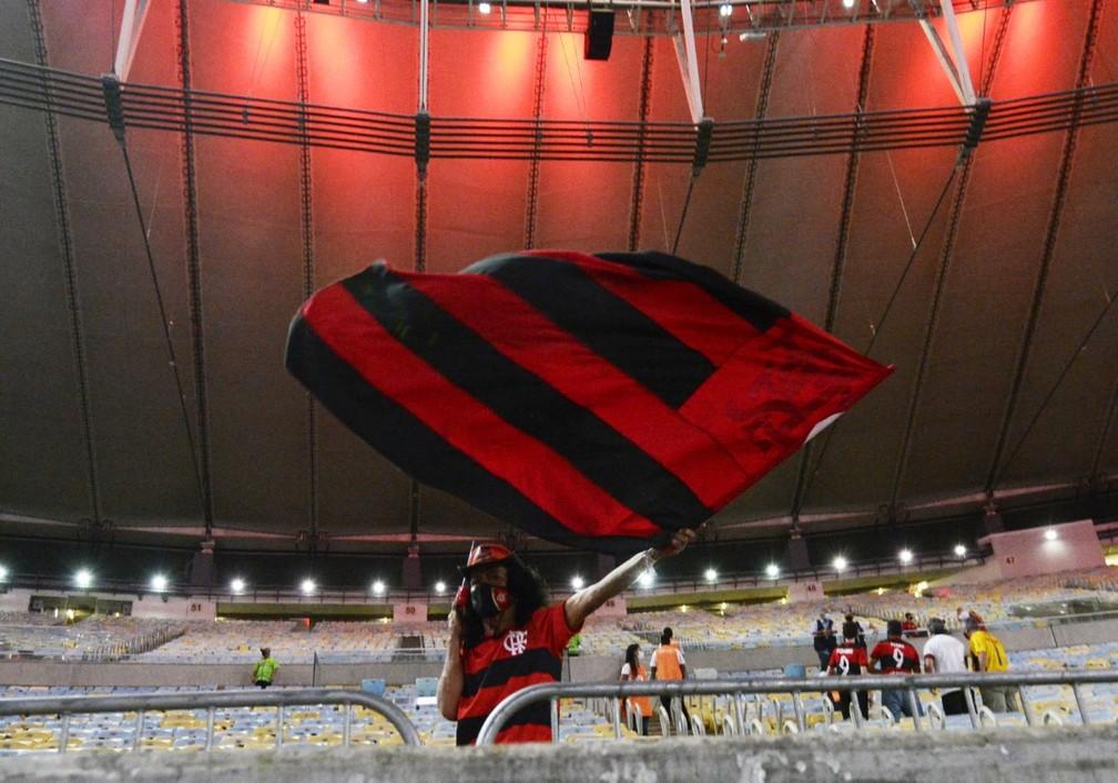 Público em Flamengo x Grêmio, pela Copa do Brasil, no Maracanã — Foto: André Durão