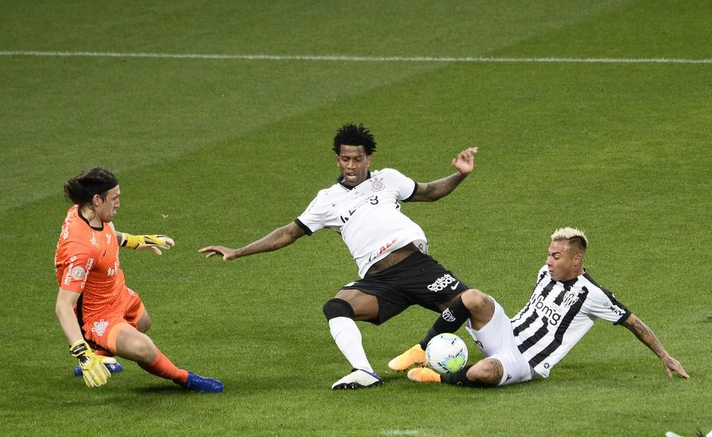 Jogo atrasado vai tirar Corinthians da 11ª posição do Brasileirão na próxima quinta-feira