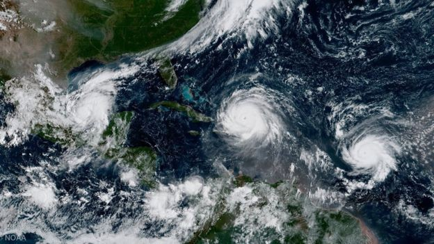 Furacões Irma, José e Katia já passaram pelo oceano Atlântico em 2011; em 2005, Katia era Katrina (Foto: REUTERS/NOAA/BBC)