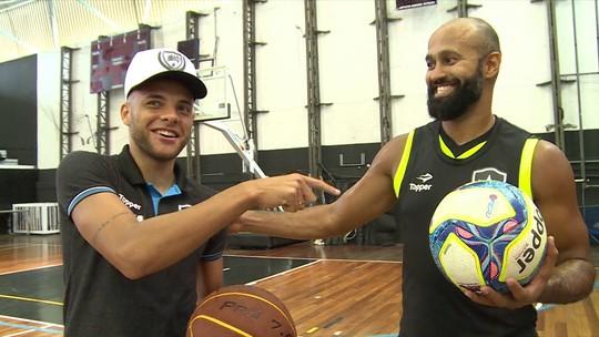 """Talismã na Liga Ouro, Guilherme visita o treino do Botafogo: """"Dois grupos fortes"""""""