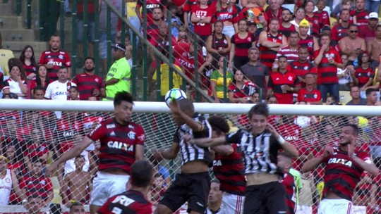 Leonardo Silva faz de cabeça e empata para o Galo no Maracanã; veja
