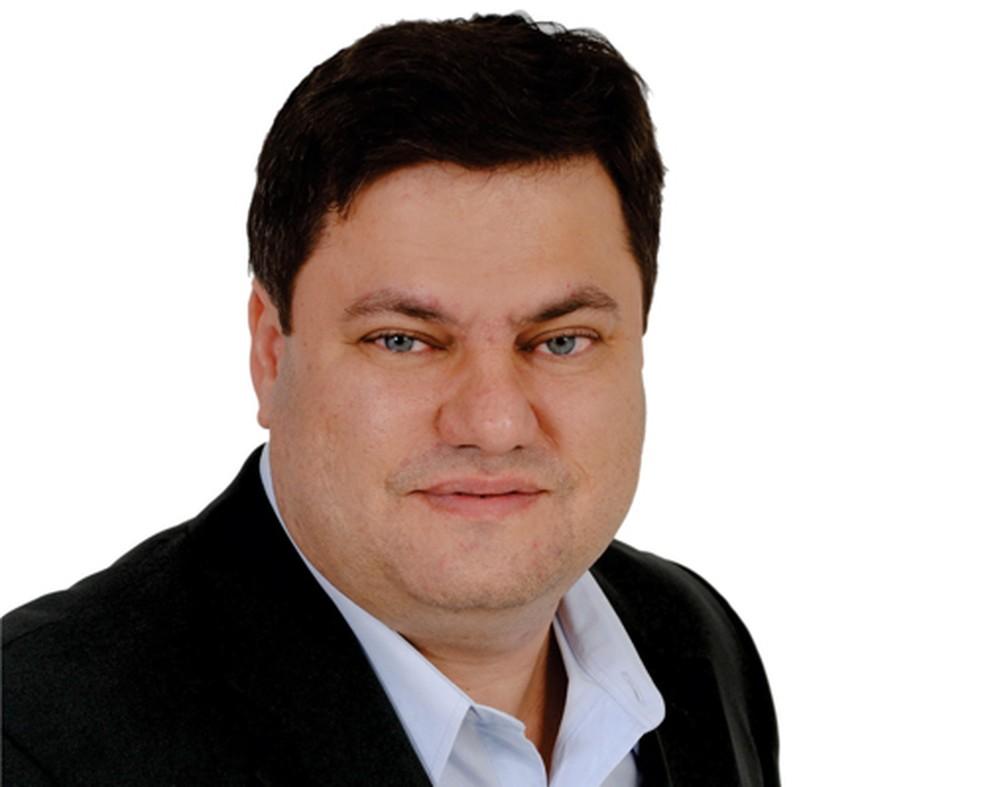 Suspeito de vários crimes, deputado Anderson Alexandre ganha liberdade, mas  segue impedido de assumir cargo na Alerj | Rio de Janeiro | G1