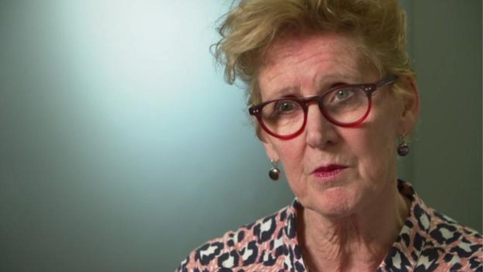 Rosanna O'Connor afirma que quem compra o medicamento pela internet não tem nenhuma garantia do que recebe (Foto: BBC)