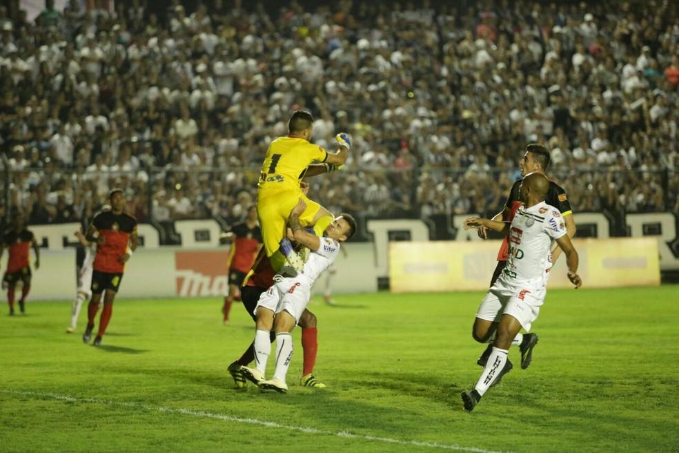 Globo FC venceu jogo da volta por 1 a 0 (Foto: José Tramontin/Operário)