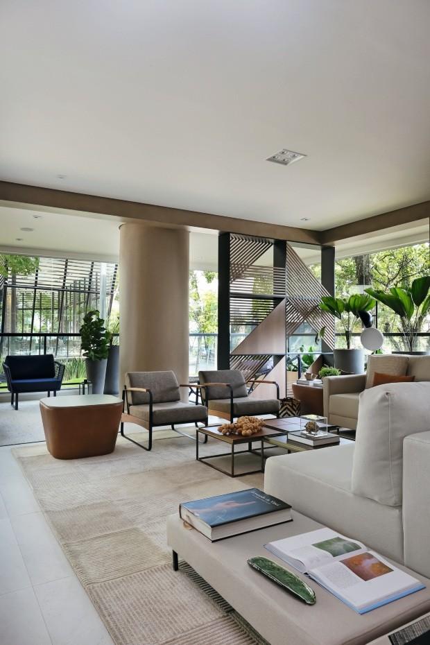 Marcenaria pontua integração entre ambientes em apartamento