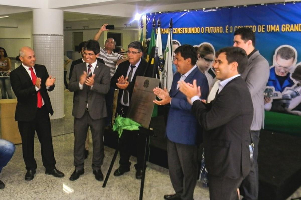 Ministro da Educação inaugura novo prédio do IFF em Campos, no RJ