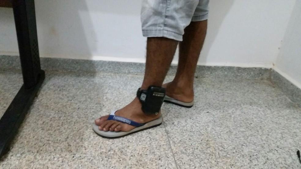Apenas presos do semiaberto, e que são monitorados com tornozeleira eletrônica, terão direito ao benefício (Foto: Polícia Militar/Divulgação)