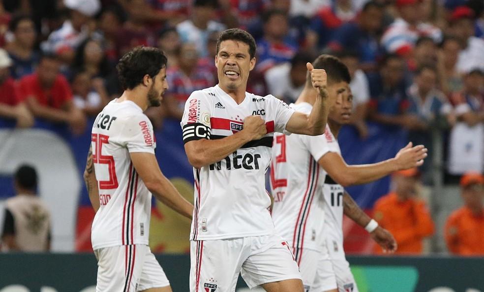 Hernanes fez o gol da vitória do São Paulo sobre o Fortaleza — Foto: Rubens Chiri / saopaulofc.net