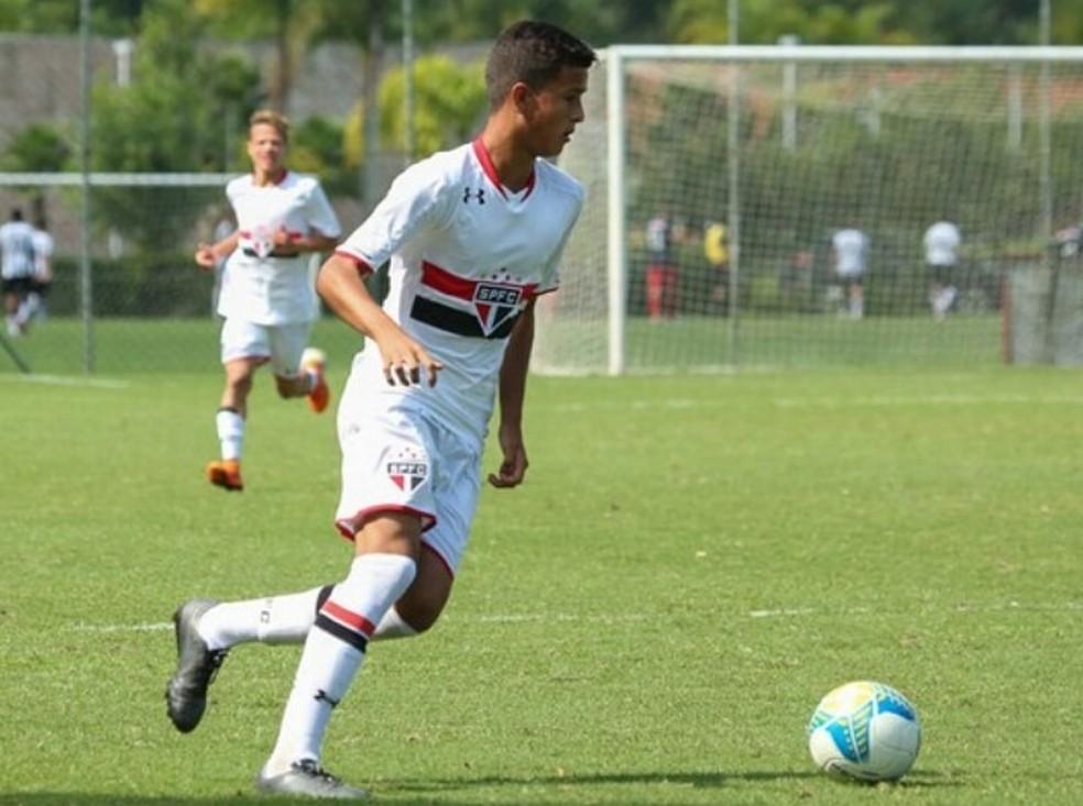 Diniz ficou no São Paulo dos 14 aos 16 anos — Foto: Reprodução/Arquivo pessoal