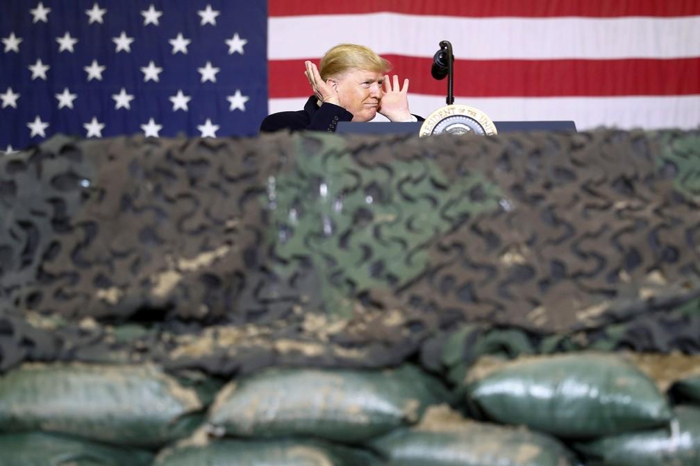 Presidente dos EUA, Donald Trump visita de surpresa base norte-americana no Afeganistão nesta quinta-feira (28) — Foto: Tom Brenner/Reuters