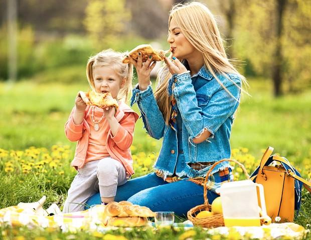 Filhos tendem a seguir os mesmos hábitos das mães (Foto: Thinkstock)