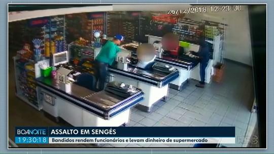 Bandidos rendem funcionários e levam dinheiro de supermercado em Sengés
