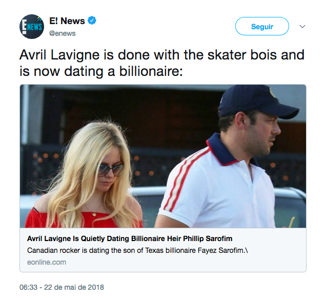 O flagrante da cantora Avril Lavigne com seu novo namorado (Foto: Twitter)
