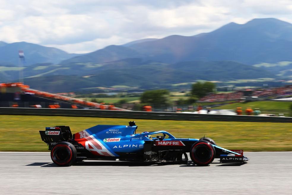 Fernando Alonso, da Alpine, garantiu terceiro melhor tempo no Q1 da classificação do GP da Áustria — Foto: Clive Rose/Getty Images