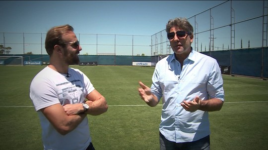 """Casão acha Renato """"fantástico"""" e avisa: """"Não chegou no auge como treinador"""""""