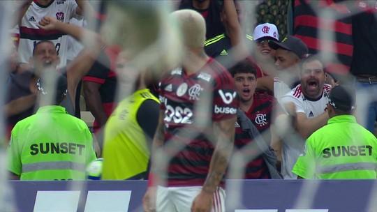 Golaço de Gabigol pelo Flamengo contra Santos faz internautas lembrarem Adriano e Ronaldo