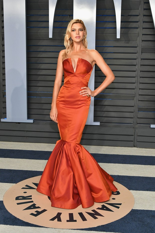 BEVERLY HILLS, CA - MARCH 04:  Kelly Rohrbach attends the 2018 Vanity Fair Oscar Party hosted by Radhika Jones at Wallis Annenberg Center for the Performing Arts on March 4, 2018 in Beverly Hills, California.  (Photo by Dia Dipasupil/Getty Images) (Foto: Getty Images)