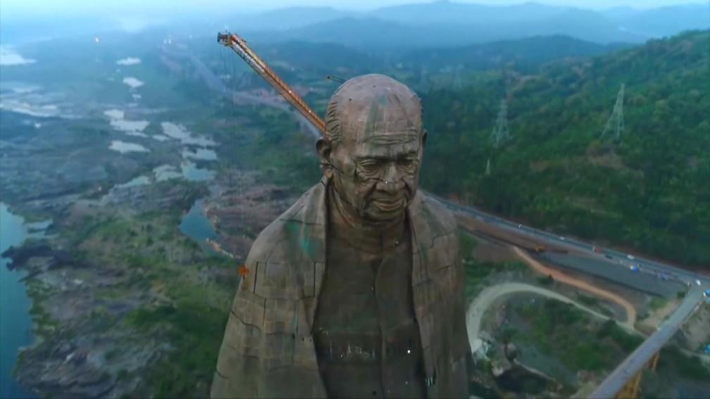 Estátua de Sardar Vallabhbhai Patel é a mais alta do mundo e custou R$ 1,5 bilhão à Índia — Foto: Reprodução/BBC