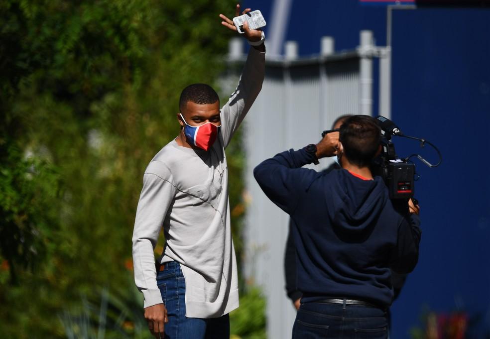 Mbappé volta aos treinos no PSG — Foto: AFP