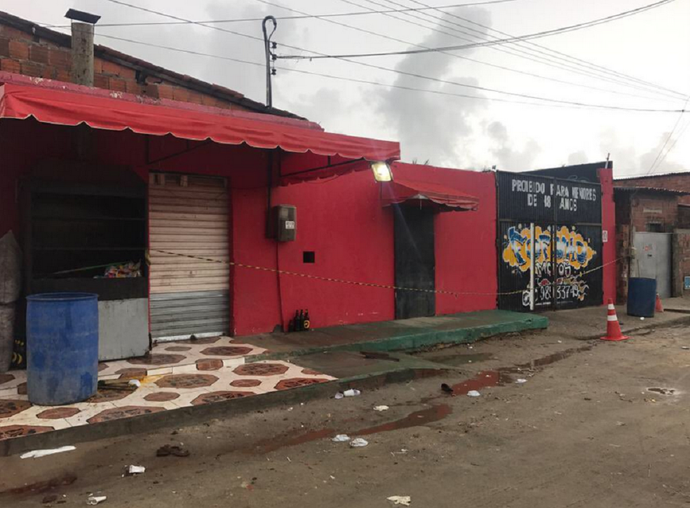 Criminosos atiram em festa em Fortaleza. Local foi fechado pela polícia. (Foto: Gioras Xerez)