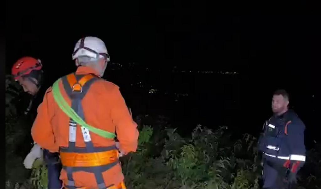 Vítima de acidente com parapente é resgatada em penhasco da Serra da Ibiapaba, interior do Ceará