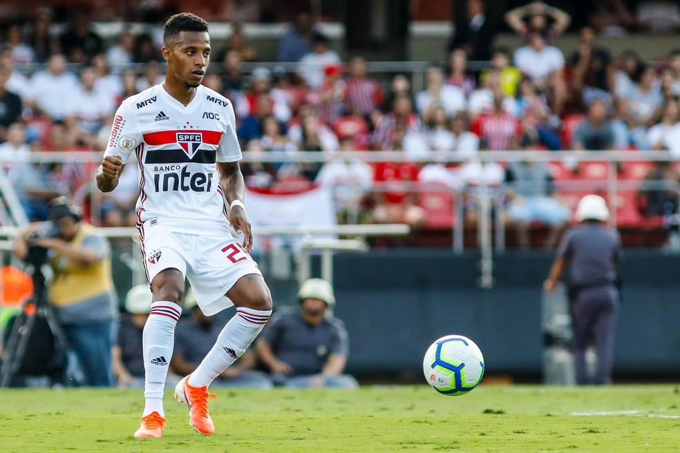 6a65f0251ac9 ... Tchê Tchê em ação na estreia pelo São Paulo, contra o Botafogo — Foto: